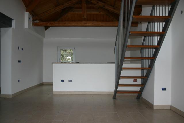 Immobiliare cavalli veneto treviso vendita for 1 piano 3 camere da letto 2 piani del bagno